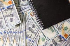 Affärsdiagram på finansiell rapporter, dollar och affärsdiameter royaltyfria bilder