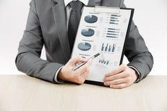 Affärsdiagram som visar finansiell framgång Fotografering för Bildbyråer