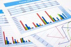 Affärsdokument finansdata Arkivfoton