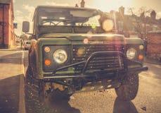 Affärsföretag vid bil- Land Rover royaltyfri fotografi