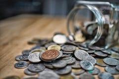 Affärsfinans spara pengar för investeringbegreppspengar i arkivbilder