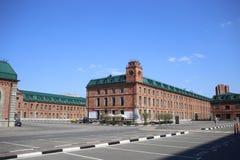 Affärsfjärdedelen Novospassky som lokaliseras i de renoverade byggnaderna av den tidigare fabriken arkivfoto