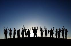 Affärsfolk i det fria som firar framgång Royaltyfri Bild