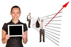 Affärsfolk och grafiskt diagram royaltyfria bilder