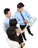 Affärsfolk som diskuterar arkivbilder