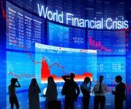 Affärsfolk som diskuterar om världsfinanskris Arkivbild