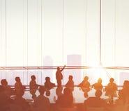 Affärsfolk som möter begrepp för presentation för konferenshögtalare royaltyfri bild