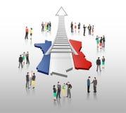 Affärsfolk som står med stegepilen och den franska flaggan Royaltyfri Fotografi