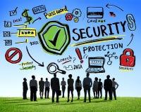 Affärsfolk som upp ser begrepp för Firewall för säkerhetsskydd royaltyfria foton