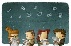 Affärsfolket läste finansiell nyheterna Arkivfoton