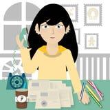 Affärsidé - affärskvinna som talar på telefonen i kontoret Royaltyfria Foton
