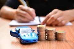 Affärsidébilförsäkring eller försäljning och köpbil, bilfinanci Arkivbild