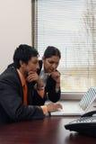 affärskollegor som fungerar tillsammans Royaltyfri Fotografi
