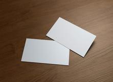 Affärskort på wood tabell 2 Arkivbild