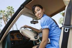 Affärskvinna In Car Arkivfoton