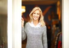 Affärskvinna för klädlagerägare Royaltyfria Bilder