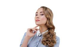 Affärskvinna med blont lockigt hår Royaltyfri Fotografi