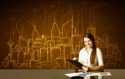 Affärskvinna med byggnader och nummer royaltyfri foto