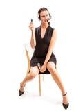 Affärskvinna med hörlurar med mikrofon och usb Arkivfoton