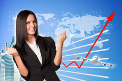 Affärskvinna och grafiskt diagram royaltyfri foto