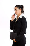 affärskvinna som kallar den lyckliga isolerade telefonen Arkivfoto