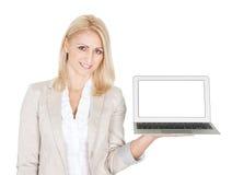 Affärskvinna som presenterar bärbar dator Arkivfoto