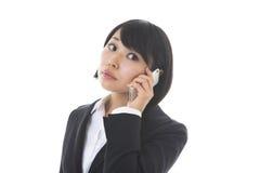 Affärskvinna som talar på det tele Royaltyfria Foton