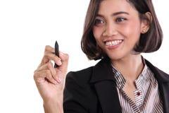 Affärskvinnahandstil på skärmcloseupen royaltyfri bild