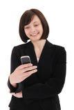 affärskvinnan mottar sms Royaltyfri Bild