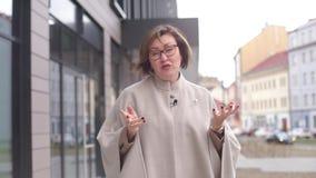 Affärskvinnan säger arkivfilmer