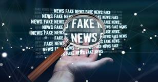 Affärskvinnan som upptäcker, fejkar tolkningen för information 3D om nyheterna Royaltyfri Foto