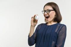 Affärskvinnashower nummer 1 Abstrakt ägg med text nummer ett Arkivbild
