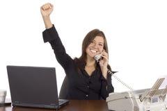 affärskvinnatelefonframgång Arkivfoton
