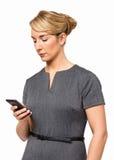 AffärskvinnaText Messaging On Smart telefon Arkivfoto