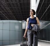 AffärskvinnaTraveler Journey Business lopp Arkivbild