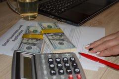 Affärslån skyndar på Månatliga betalningar för affärslån Fotografering för Bildbyråer
