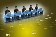 Affärslag som ser en bärbar dator Royaltyfria Bilder