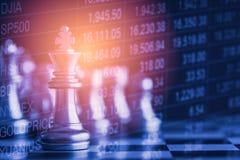 Affärslek på den finansiella digitala aktiemarknaden och schackbackgr Arkivfoton