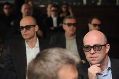 Affärsmän med exponeringsglas 3d på utställning- och handelshowen Royaltyfri Fotografi