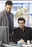 affärsmän som fungerar tillsammans Arkivbild