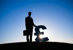 Affärsman Holding Euro Currency Arkivfoto