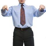 Affärsman i blå skjorta som låtsar som om håll något intelligens Arkivbilder