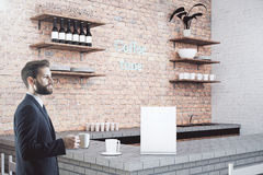 Affärsman i Cafe Royaltyfri Bild