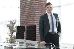 Affärsman i hans nya kontor Royaltyfri Fotografi