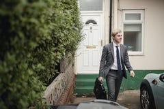 Affärsman Leaving som går att arbeta royaltyfria foton