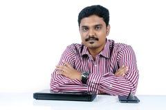 Affärsman med bärbar dator fotografering för bildbyråer