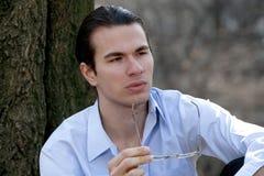 Affärsman med exponeringsglas Royaltyfri Bild