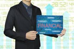 Affärsman med redovisning och finansiellt begrepp Arkivbild