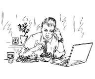 Affärsman som äter lunch och arbete med datoren i den samma tiden Arkivbilder