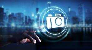 Affärsman som använder den moderna tolkningen för kameraapplikation 3D Fotografering för Bildbyråer